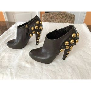60c108296 GUCCI BABOUSHKA BLACK GOLD STUDS BOOTIES-38/7.5M
